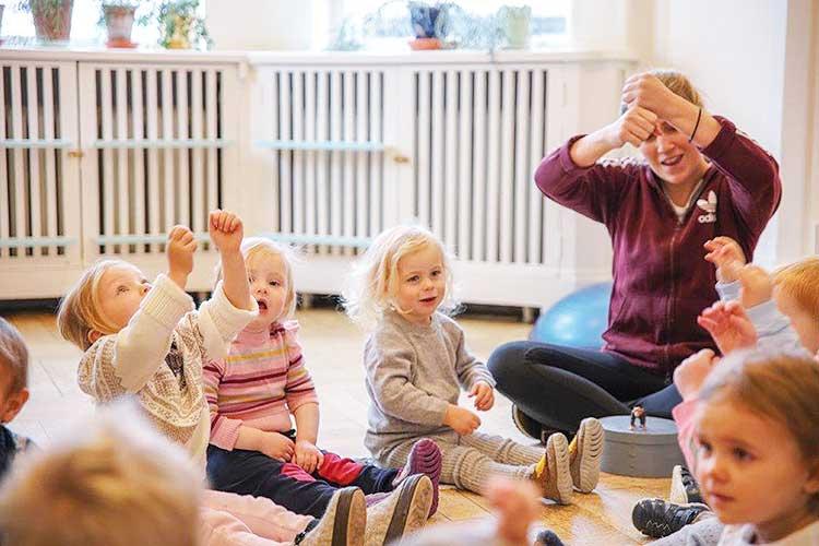 Barna på Gladheim